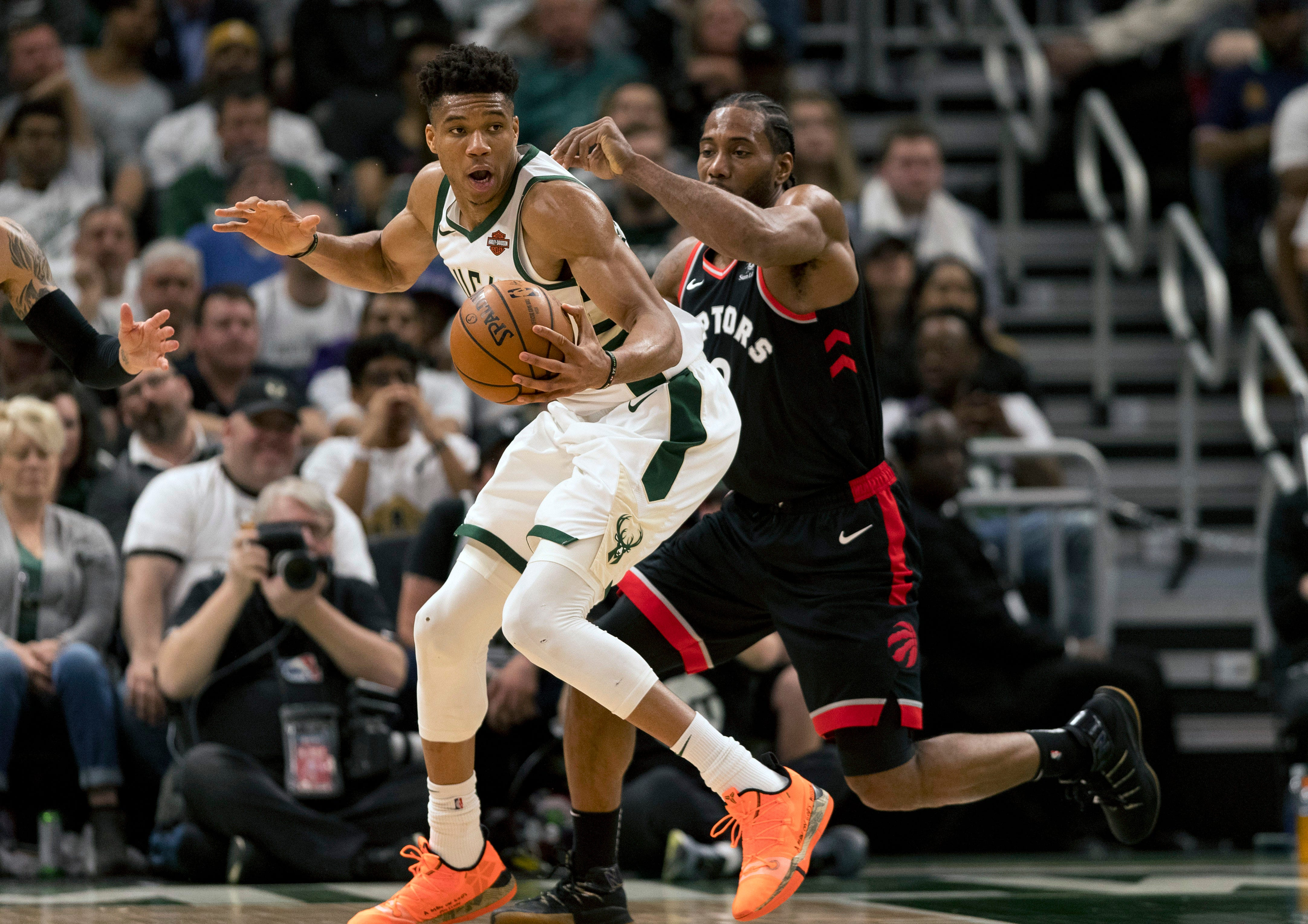Bucks come alive in fourth quarter to rally past Raptors in Game 1