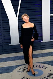 "Renee Zellweger says she's open to meeting with Liza Minelli, if there's an opportunity to. Minelli has publicly said she does ""not approve"" of Zellweger's Judy Garland film."