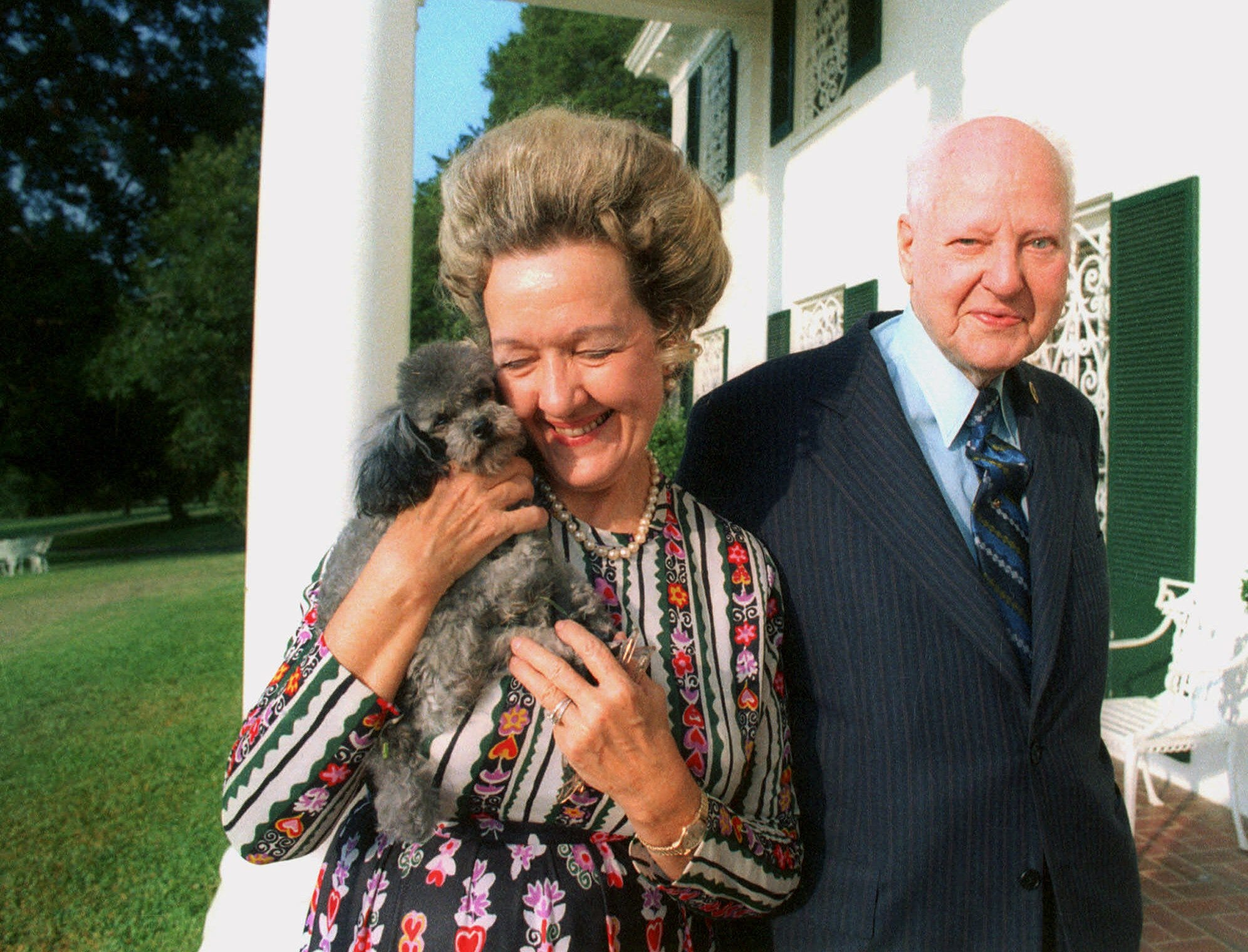 H.L. Hunt shown with one of his wives in 1972.