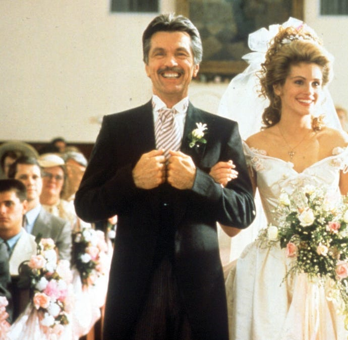 'Steel Magnolias' is 30! Go inside Julia Roberts' lavish, pink-drenched movie wedding