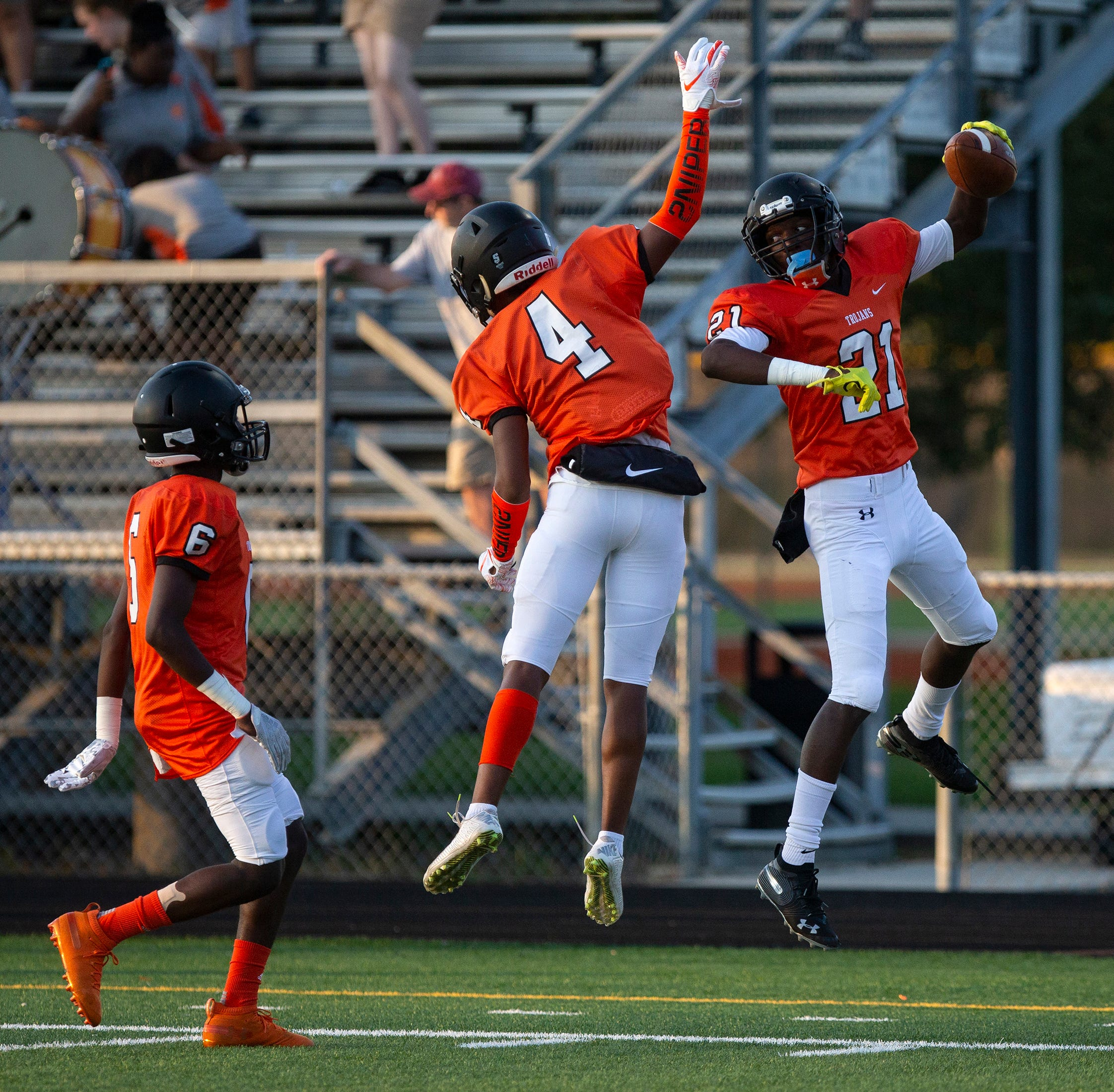 Football: Lely opens J.J. Everage era with impressive spring performance in jamboree