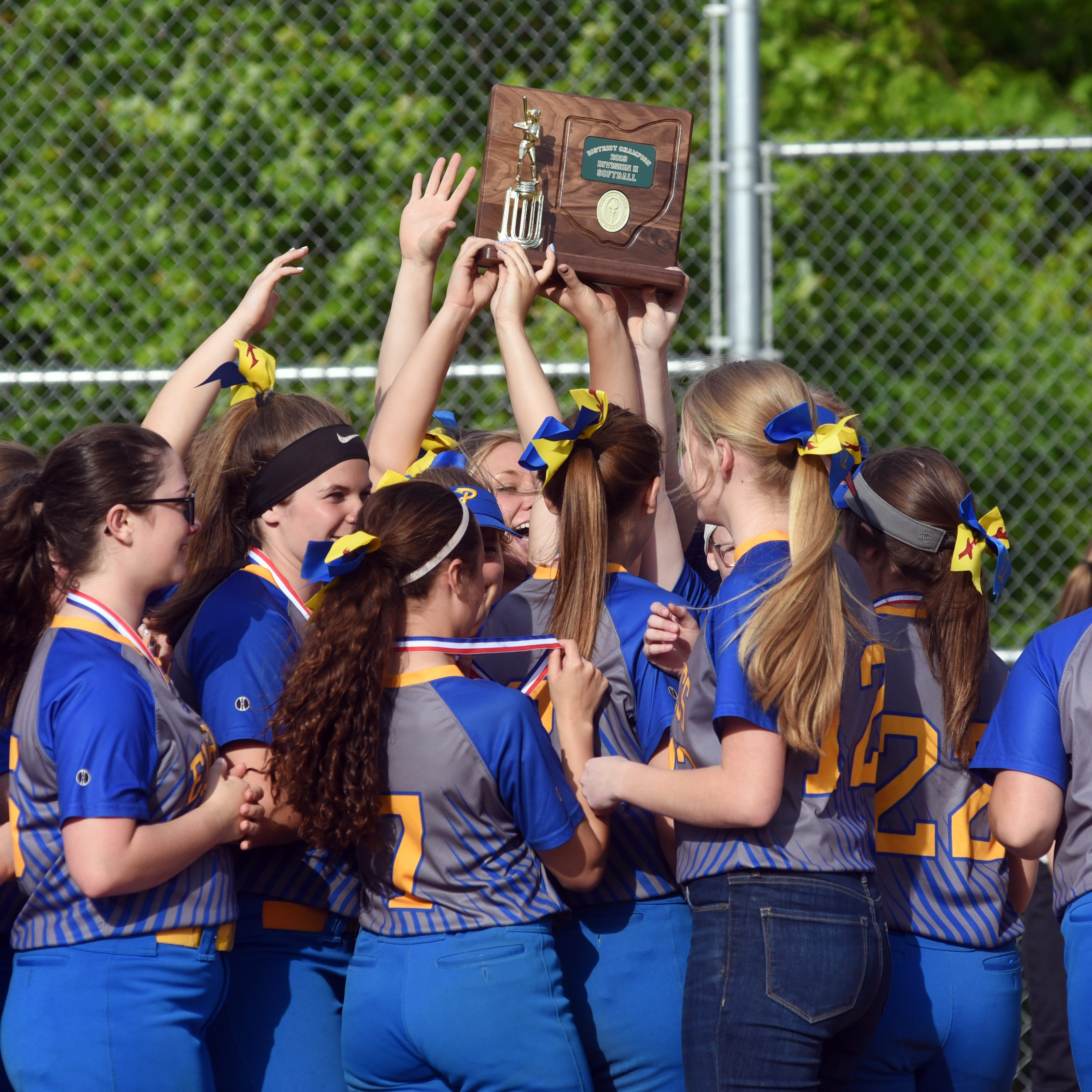 Ticket punched: Philo softball blasts Big Red for district title