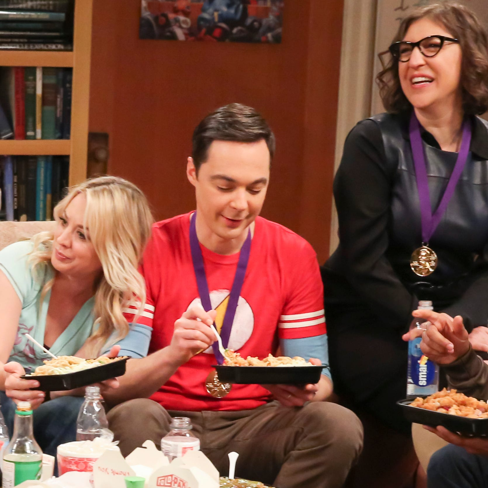 """""""The Stockholm Syndrome"""" - Pictured: Bernadette (Melissa Rauch), Howard Wolowitz (Simon Helberg), Leonard Hofstadter (Johnny Galecki), Penny (Kaley Cuoco), Sheldon Cooper (Jim Parsons), Amy Farrah Fowler (Mayim Bialik) and Rajesh Koothrappali (Kunal Nayyar). Bernadette and Wolowitz leave their kids for the first time, Penny and Leonard try to keep a secret, Sheldon and Amy stick together, and Koothrappali makes a new friend as the gang travels together into an uncharted future, on the series finale of THE BIG BANG THEORY, Thursday, May 16 (8:30 - 9:00PM, ET/PT) on the CBS Television Network. Photo: Michael Yarish/CBS ©2019 CBS Broadcasting, Inc. All Rights Reserved"""