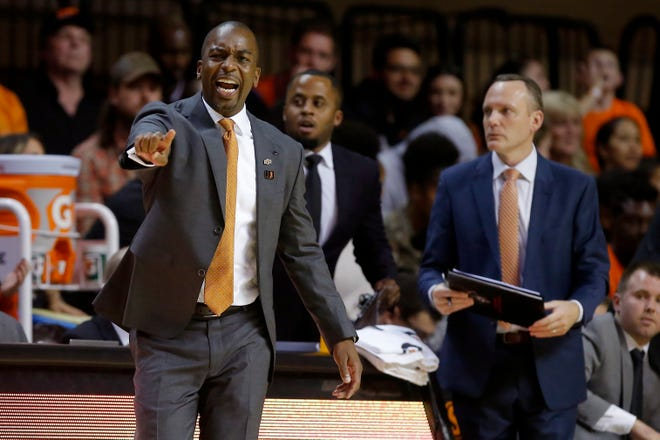 Oklahoma State coach Mike Boynton shouts during an NCAA basketball game between the Oklahoma State University Cowboys (OSU) and the Oral Roberts Golden Eagles (ORU) at Gallagher-Iba Arena in Stillwater, Okla., Wednesday, Nov. 6, 2019. Oklahoma State won 80-75. [Bryan Terry/The Oklahoman]