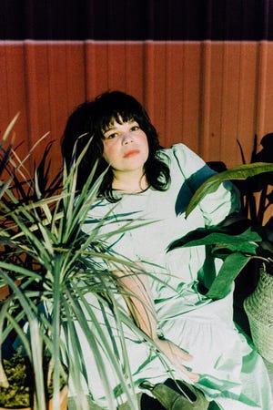 Samantha Crain [Dylan Johnson photo]