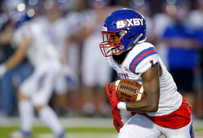 Bixby's Braylin Presley rushes during the high school football game between Bixby and Carl Albert at Carl Albert High School in Midwest City, Okla., Friday, Oct. 2, 2020. Photo by Sarah Phipps, The Oklahoman