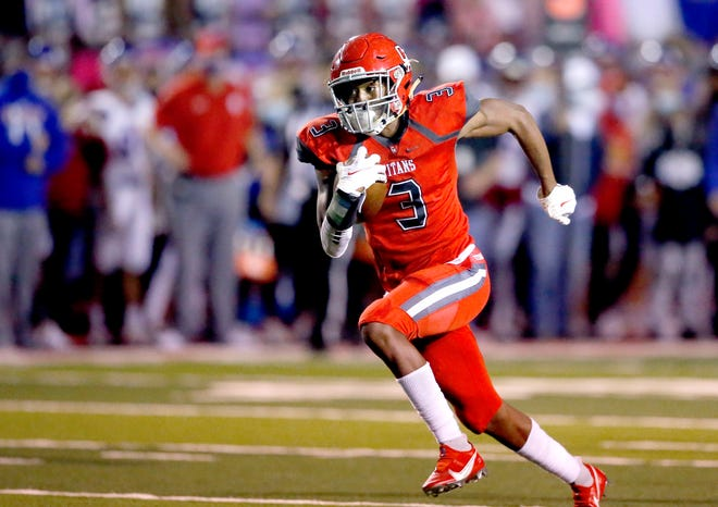 Carl Albert's Cobe Crews runs for a touchdown during a game against Bixby in Midwest City on Oct. 2. [Sarah Phipps/The Oklahoman]