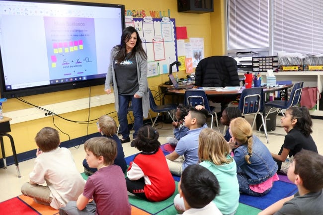 Linda Lopez teaches her first grade class at Ridgeview Elementary on March 6. Oklahoma City Public Schools plans to have pre-K and kindergarten students return to in-person classes with a hybrid schedule on Oct. 19 unless Oklahoma County's COVID-19 rates increase. [Photo by Doug Hoke/The Oklahoman]