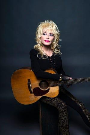Dolly Parton [Rob Hoffman photo]