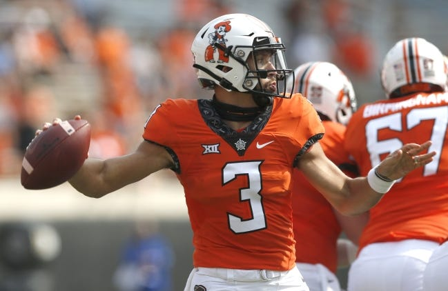 Spencer Sanders seems to be on track to return from his ankle injury when No. 7 OSU faces Baylor on Saturday in Waco, Texas. [John Clanton/Tulsa World]