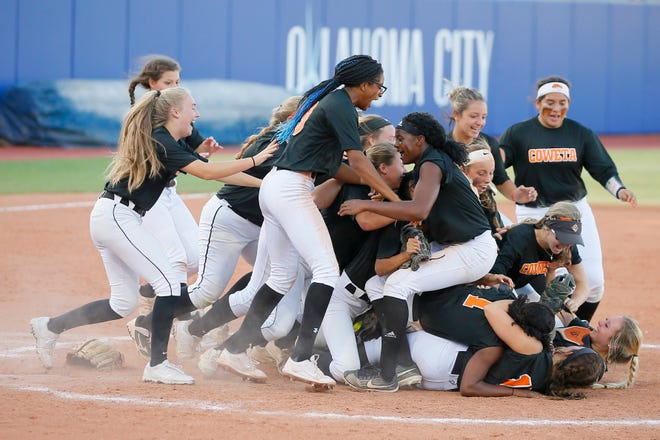 Coweta celebrates after winning the Class 5A state softball championship game between Coweta and Carl Albert at USA Softball Hall of Fame Stadium in Oklahoma City, Saturday, Oct. 17, 2020. [Bryan Terry/The Oklahoman]