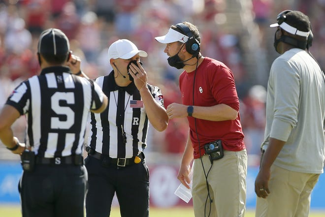 """Oklahoma coach Lincoln Riley says """"the obvious concern is do you have just a mass of players just leaving places the second that something doesn't work out for them."""" [Bryan Terry/The Oklahoman]"""