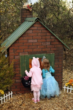 Children can explore Arcadia Lake's Storybook Forest from Friday through Oct. 30 and meet characters in scenes from their favorite fables. Advance tickets are required. [THE OKLAHOMAN ARCHIVES]