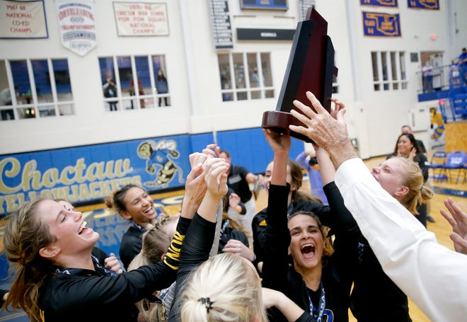 Victory Christian celebrates the 5A high school volleyball state championship over Mount St. Mary at Choctaw High School in Choctaw, Okla., Tuesday, Oct. 20, 2020. Photo by Sarah Phipps, The Oklahoman