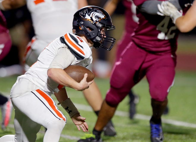 Crescent's Hunter Wilmoth rushes during the high school football game between Crescent and Oklahoma Christian Academy at Edmond North High School in Edmond, Okla., Thursday, Oct. 22, 2020. Photo by Sarah Phipps, The Oklahoman
