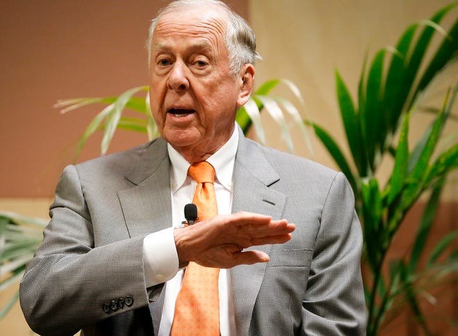 T. Boone Pickens talks at his birthday bash during the Southern Republican Leadership Conference at the Cox Convention Center in Oklahoma City, Okla. on Friday, May 22, 2015. [Chris Landsberger/The Oklahoman Archives]