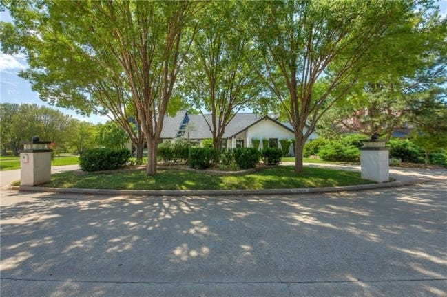 The Listing of the Week is at 12901 River Oaks Drive. [PHOTO PROVIDED]
