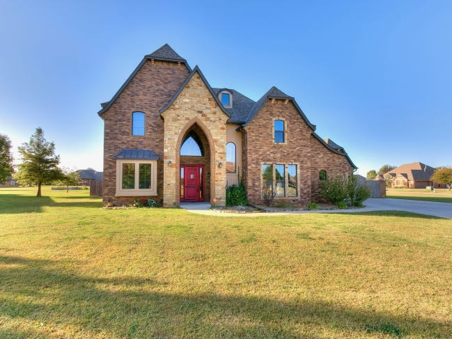 The Listing of the Week is at 4602 Bridle Ridge Road, Tuttle. [PHOTO PROVIDED]