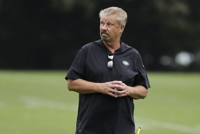 A person with direct knowledge of the decision says the New York Jets fired defensive coordinator Gregg Williams a day after his stunning play call cost the team its first win of the season. The still-winless Jets were seconds away from their first victory Sunday, until Williams inexplicably called for an all-out blitz against Las Vegas. [AP Photo/Frank Franklin II, File]