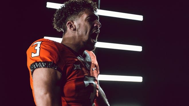 OSU redshirt sophomore quarterback Spencer Sanders has thrown for 1,702 yards with 10 touchdown and eight interceptions this season. [BRUCE WATERFIELD/OSU ATHLETICS]