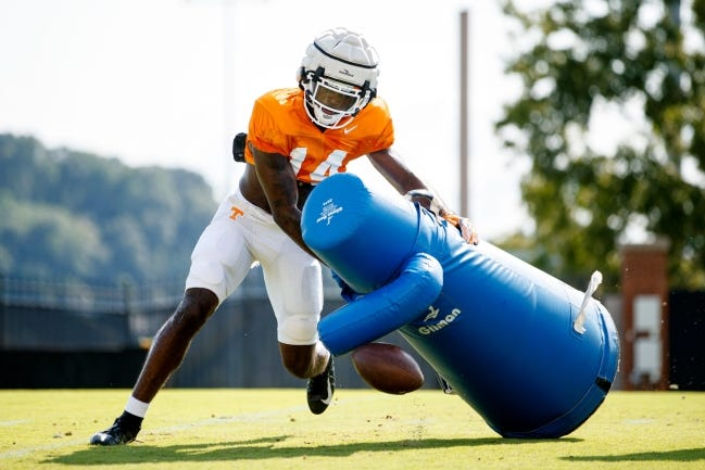Tennessee defensive back Key Lawrence runs drills during fall camp on Aug. 26 on Haslam Field in Knoxville, Tenn. Lawrence announced on Monday that he will transfer to OU. [Caleb Jones/Tennessee Athletics]