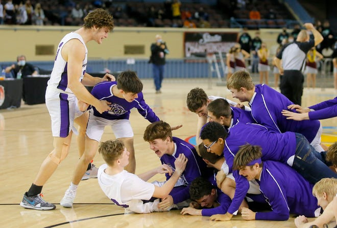 Hydro-Eaklly celebrates after winning the Class A boys high school basketball state championship game between Garber and Hydro-Eakly in State Fair Arena at OKC Fairgrounds in Oklahoma City, Saturday, March 6, 2021. [Bryan Terry/The Oklahoman]