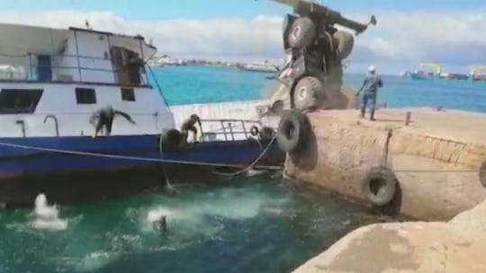Barge carrying 600 gallons of diesel sinks off Galápagos Islands, prompting emergency