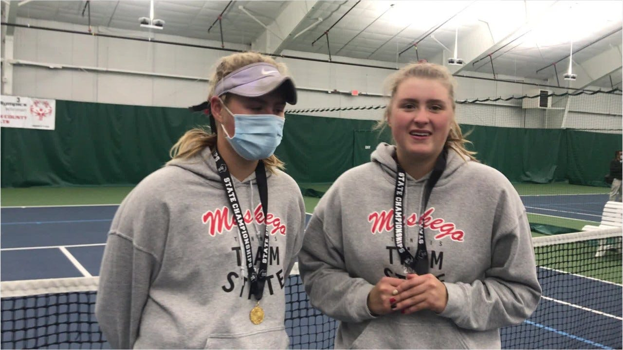 Muskego's Elizabeth and Lauren Sobieski: sisters, twins and state champions