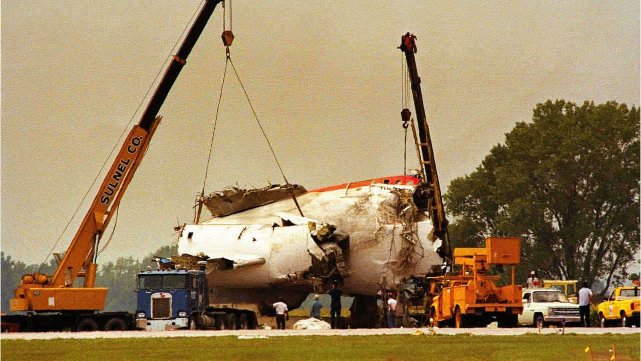United Airlines Flight 232: About plane that crashed in Iowa ...