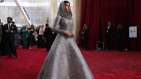 Rose McGowan calls Natalie Portman's Oscars outfit 'deeply offensive'; Portman responds