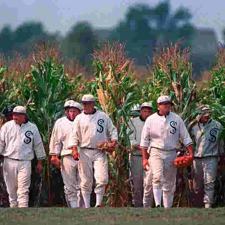 'Field of Dreams' movie site continues to draw fans to Iowa, 30 years later