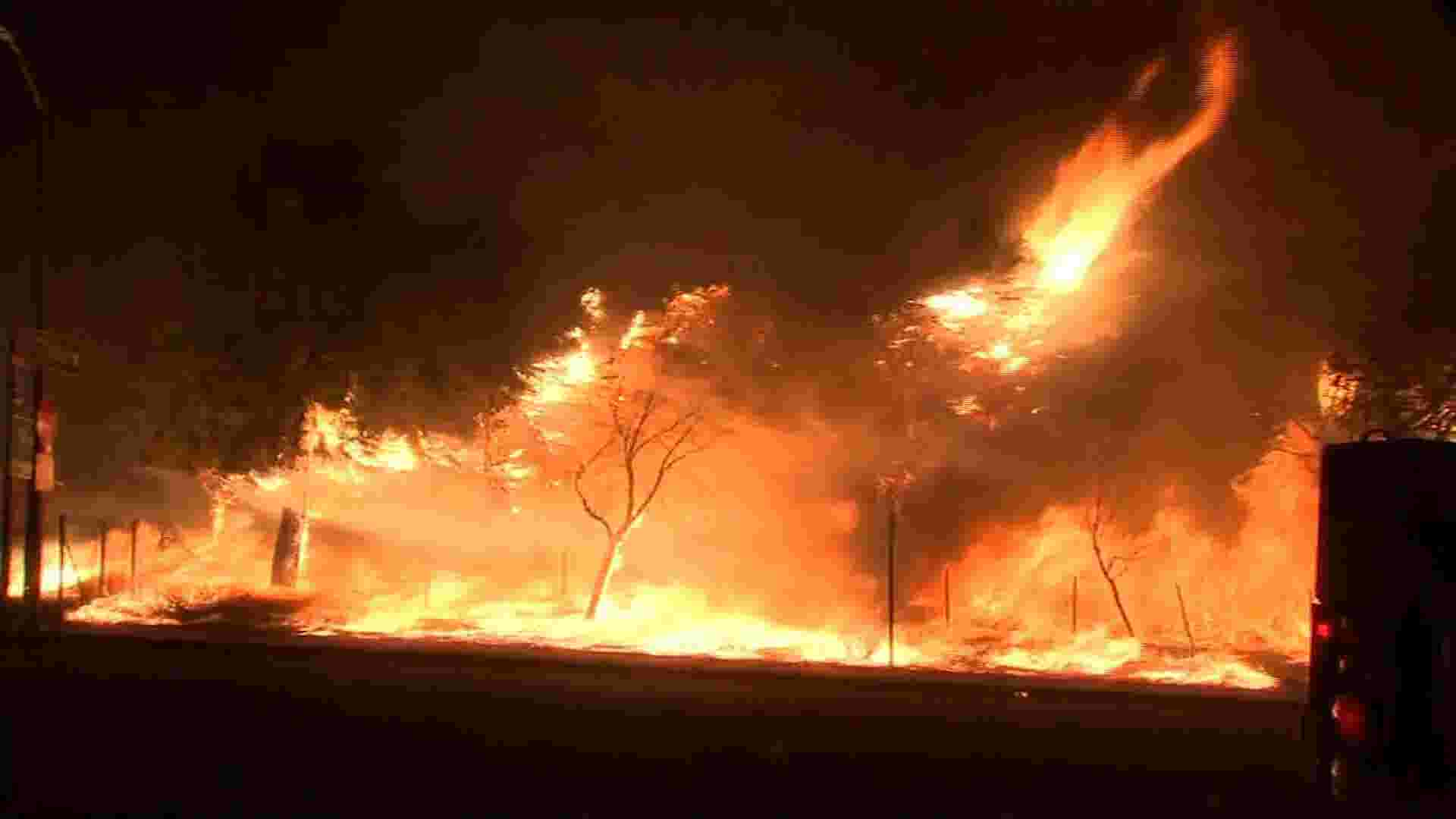 Los Angeles wildfire forces evacuations