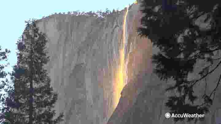 'Firefall' glows bright at California's Yosemite National Park