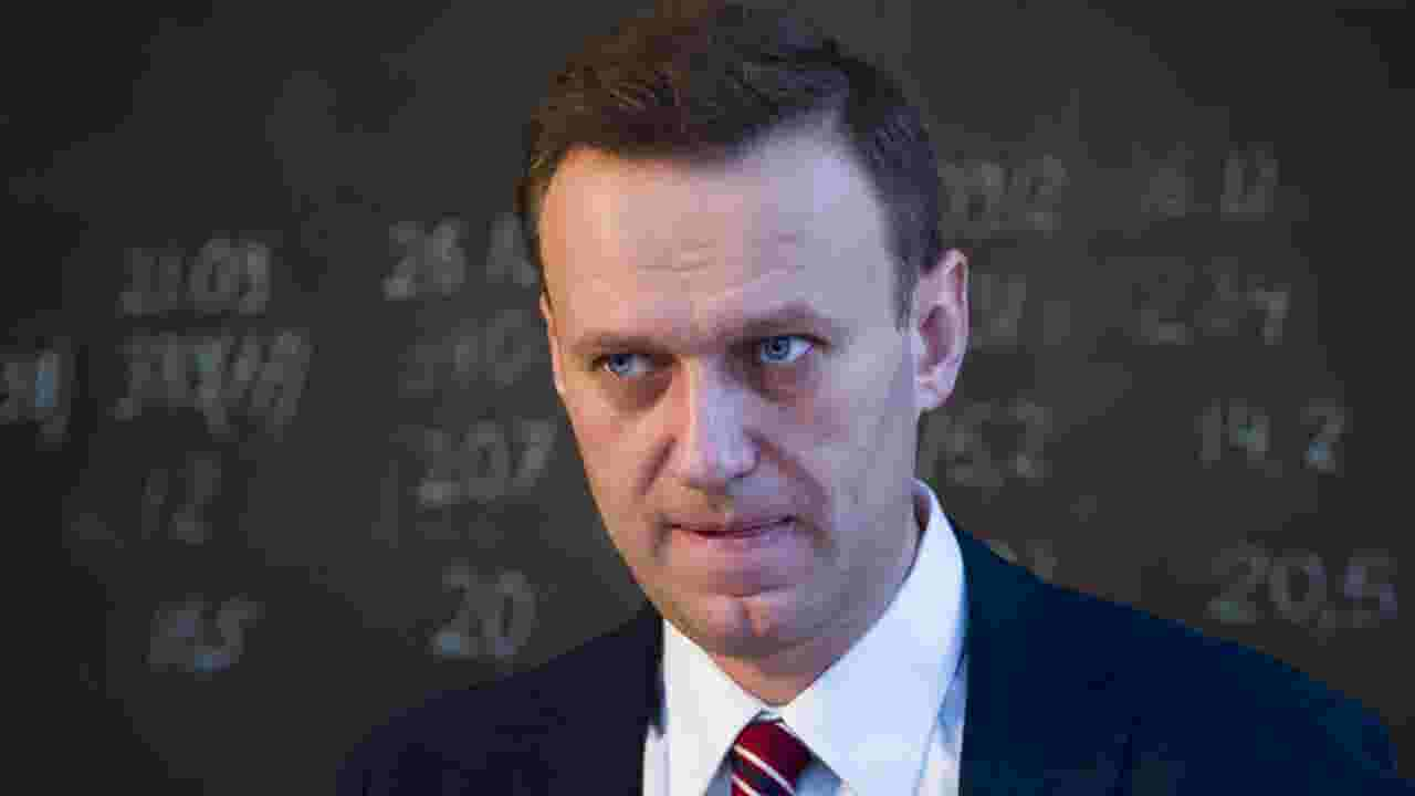 Russian opposition leader Alexei Navalny hospitalized, poisoning ...
