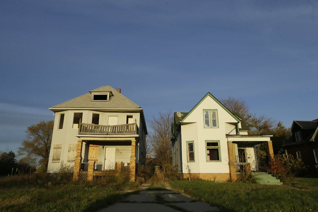 Maintenance issues linger for abandoned homes