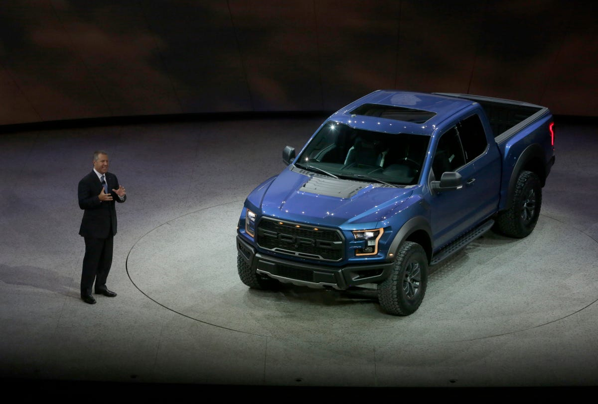Detroit Free Press Auto >> Ford Shows Gt Successor Gt350r Mustang And New Raptor