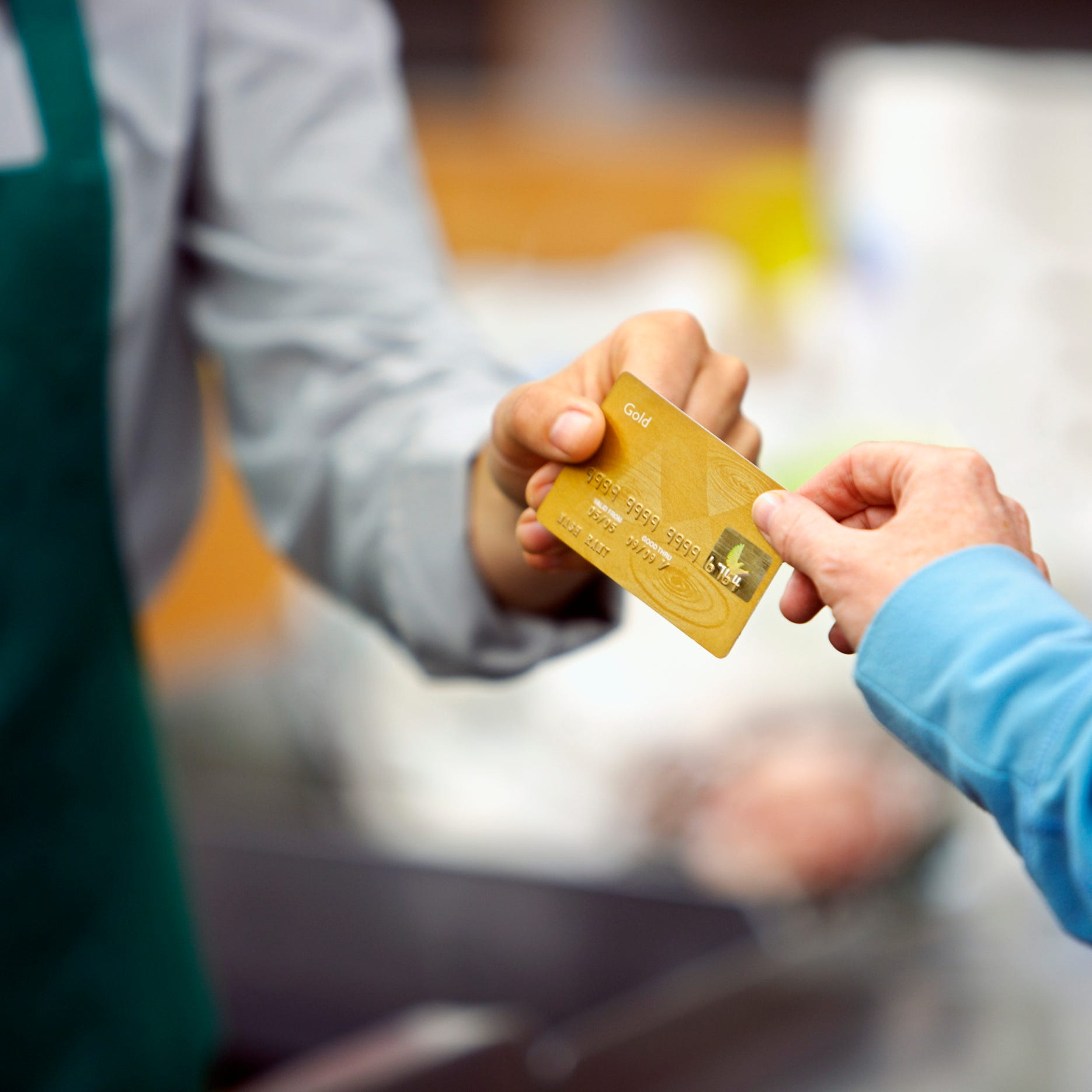 5 credit cards with big summer travel rewards