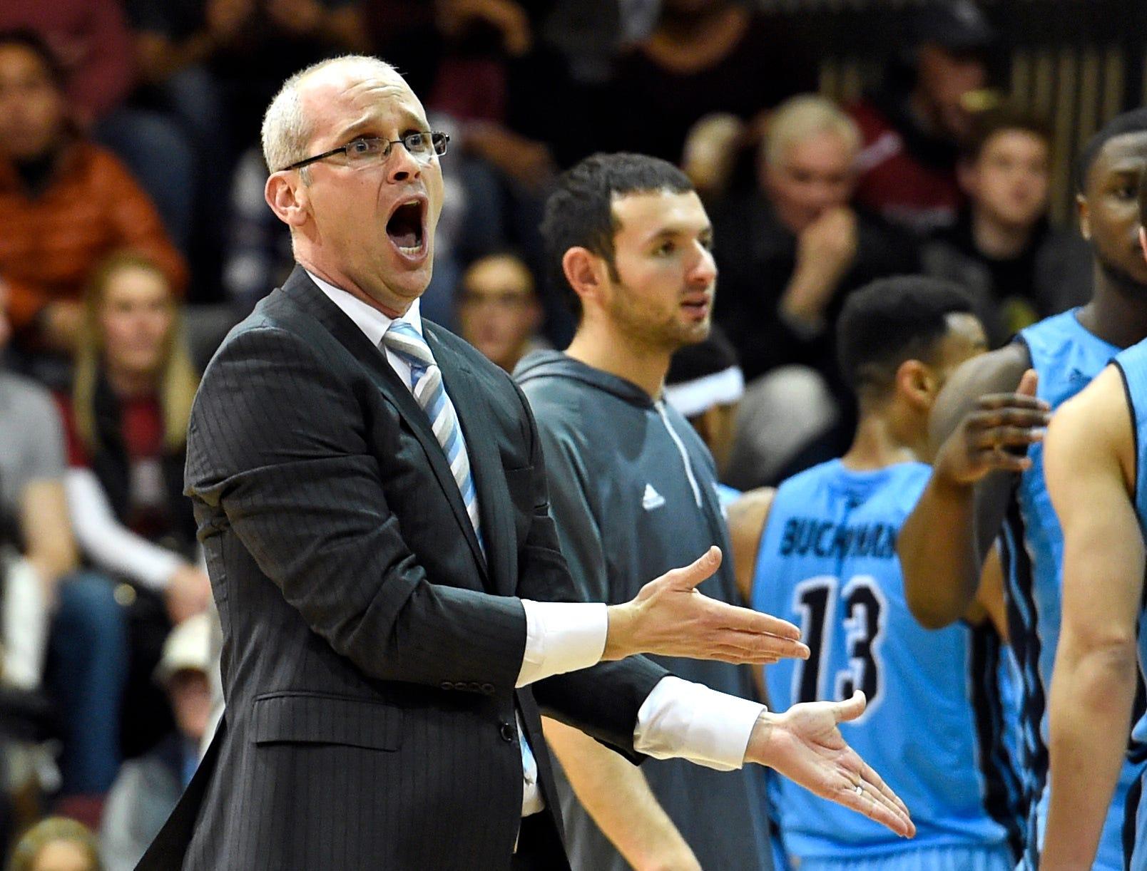 Dan Hurley calls coaching Connecticut his dream destination