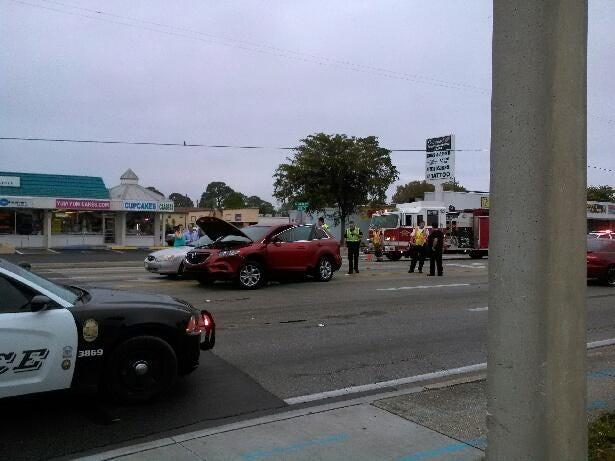 Crash on US41 at Winkler Ave.