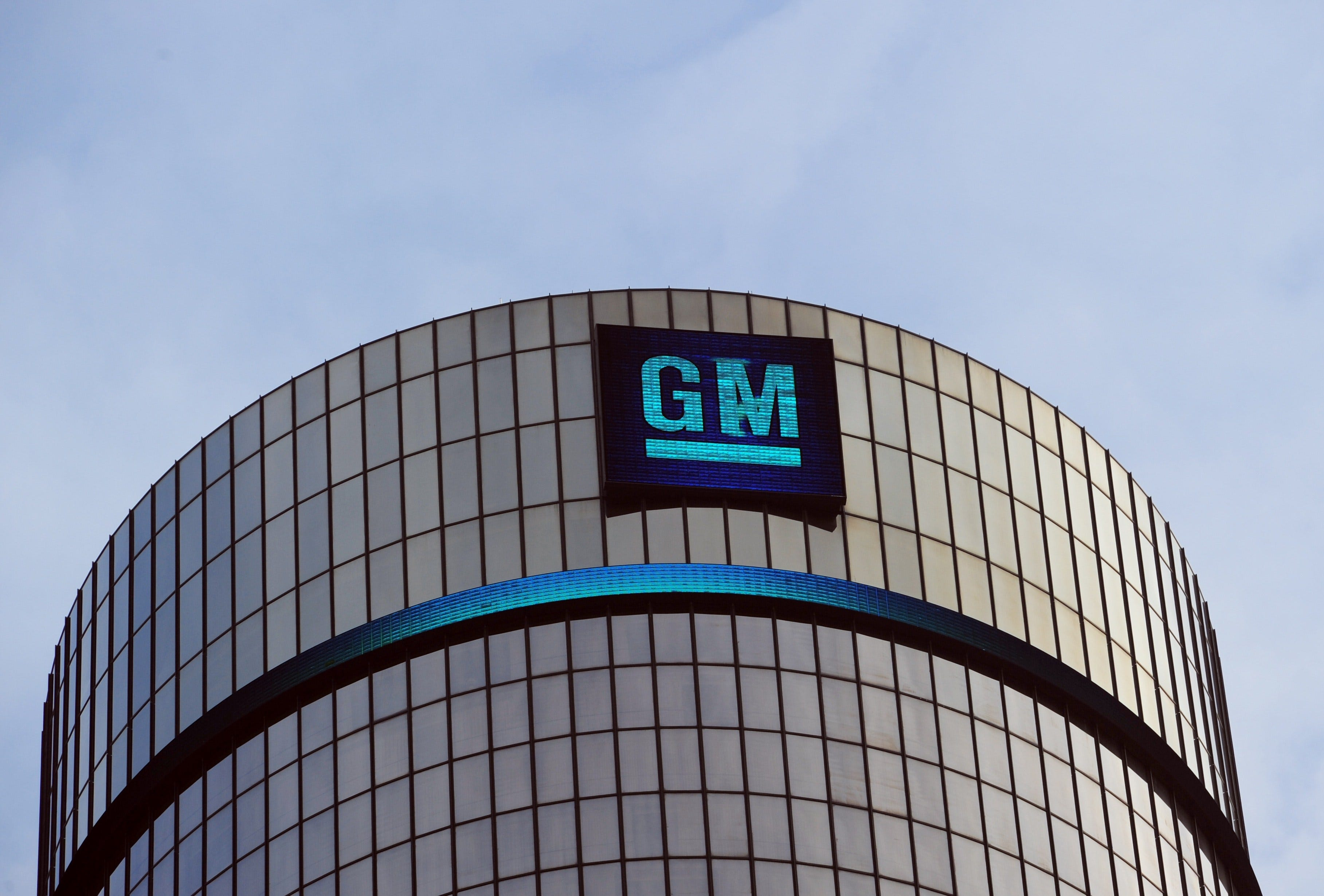 GM Q1 earnings up but miss Street estimates