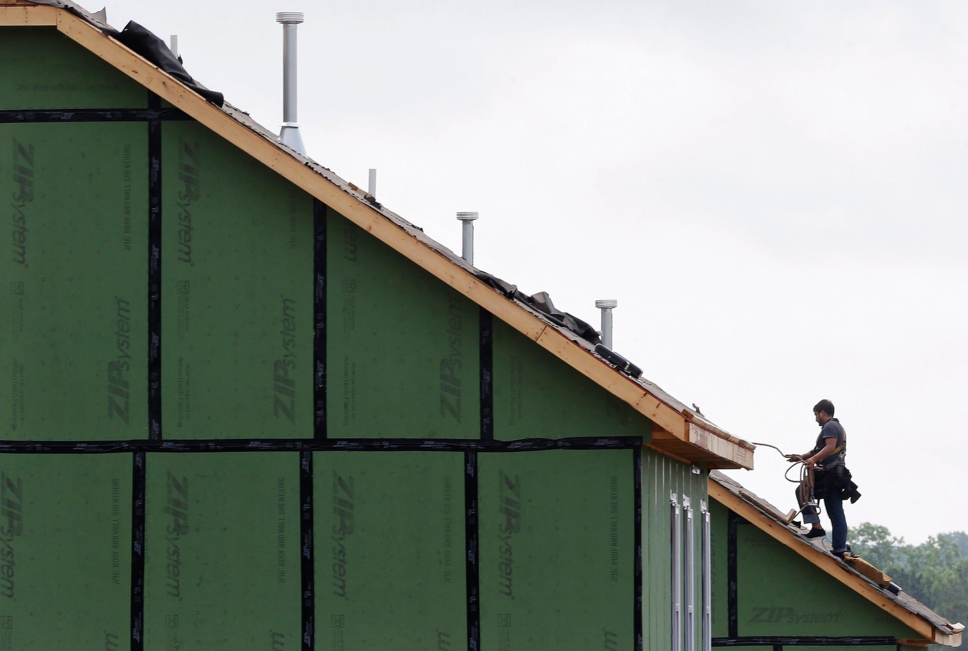 Homebuilders' confidence in sales surges in June