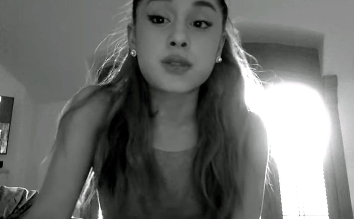 Ariana Grande apologizes, again