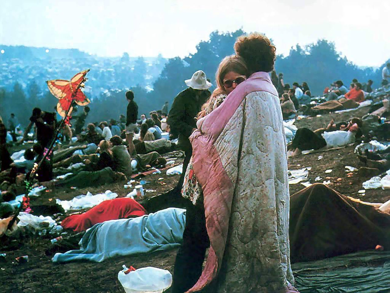 """Meet Woodstock's famous """"hugging couple"""" during a two-day celebration at The Winery at St. George."""