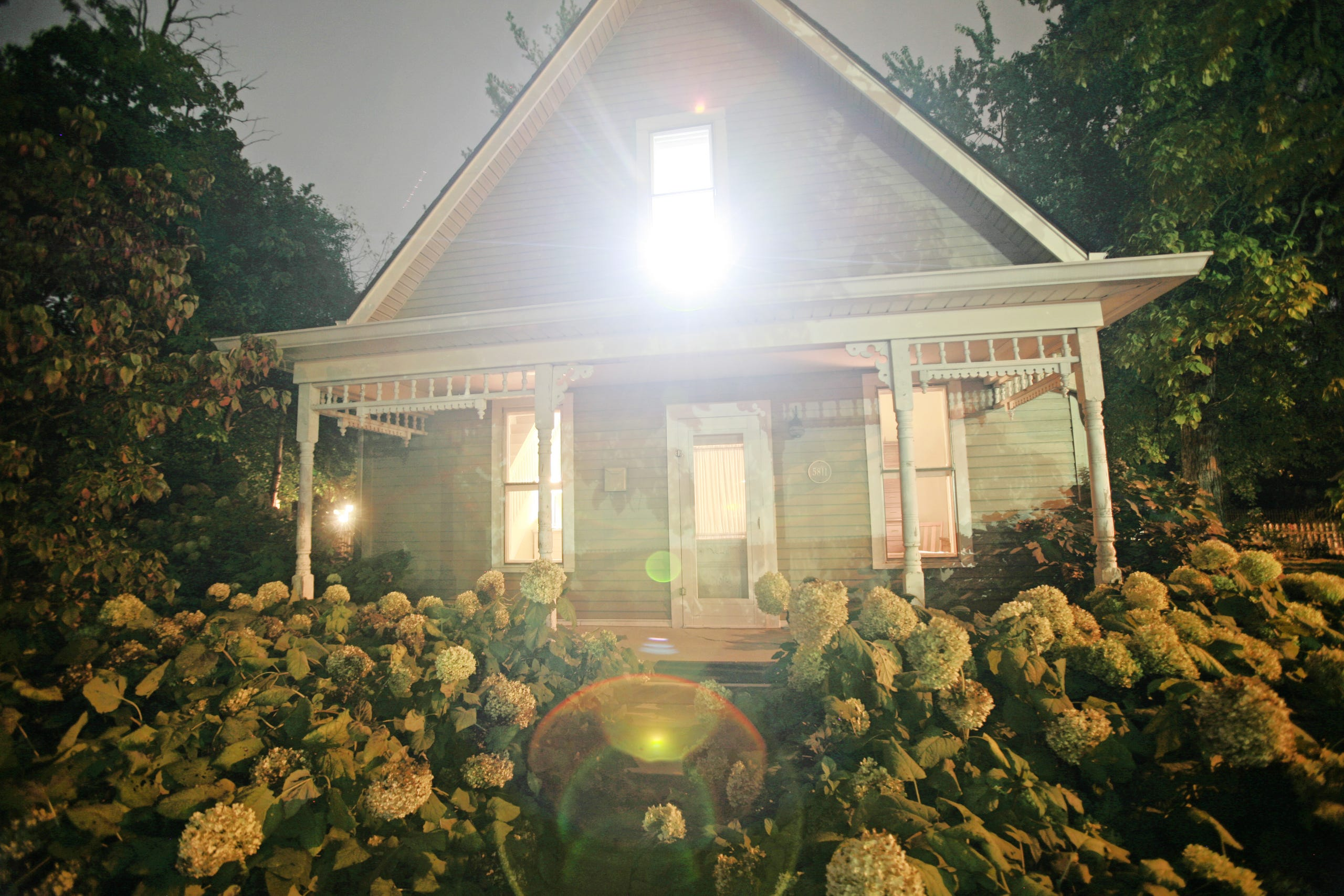 A Night In An H H Holmes House That May Or May Not Be Haunted
