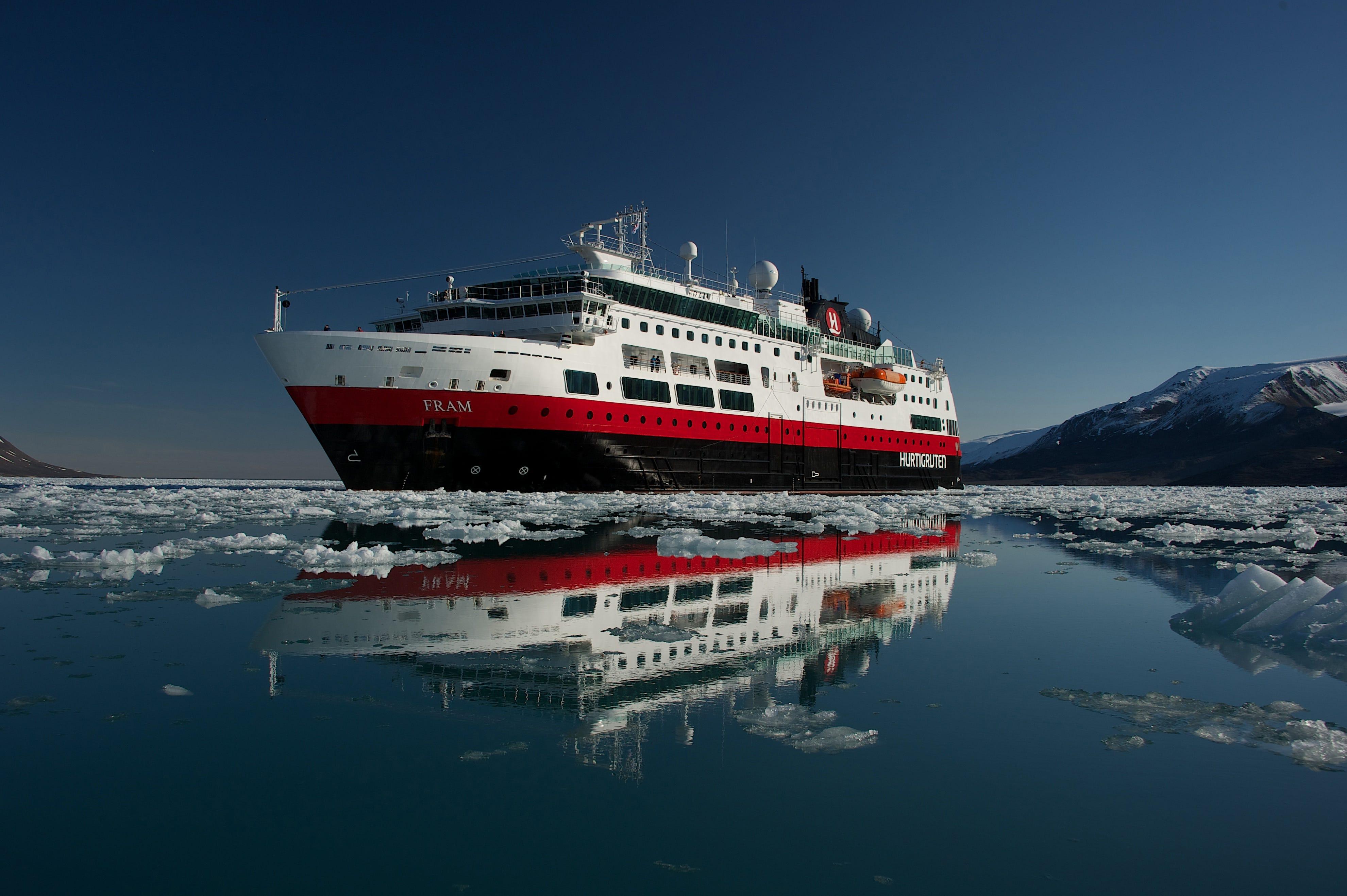 Αποτέλεσμα εικόνας για Hurtigruten expedition cruise in East Coast