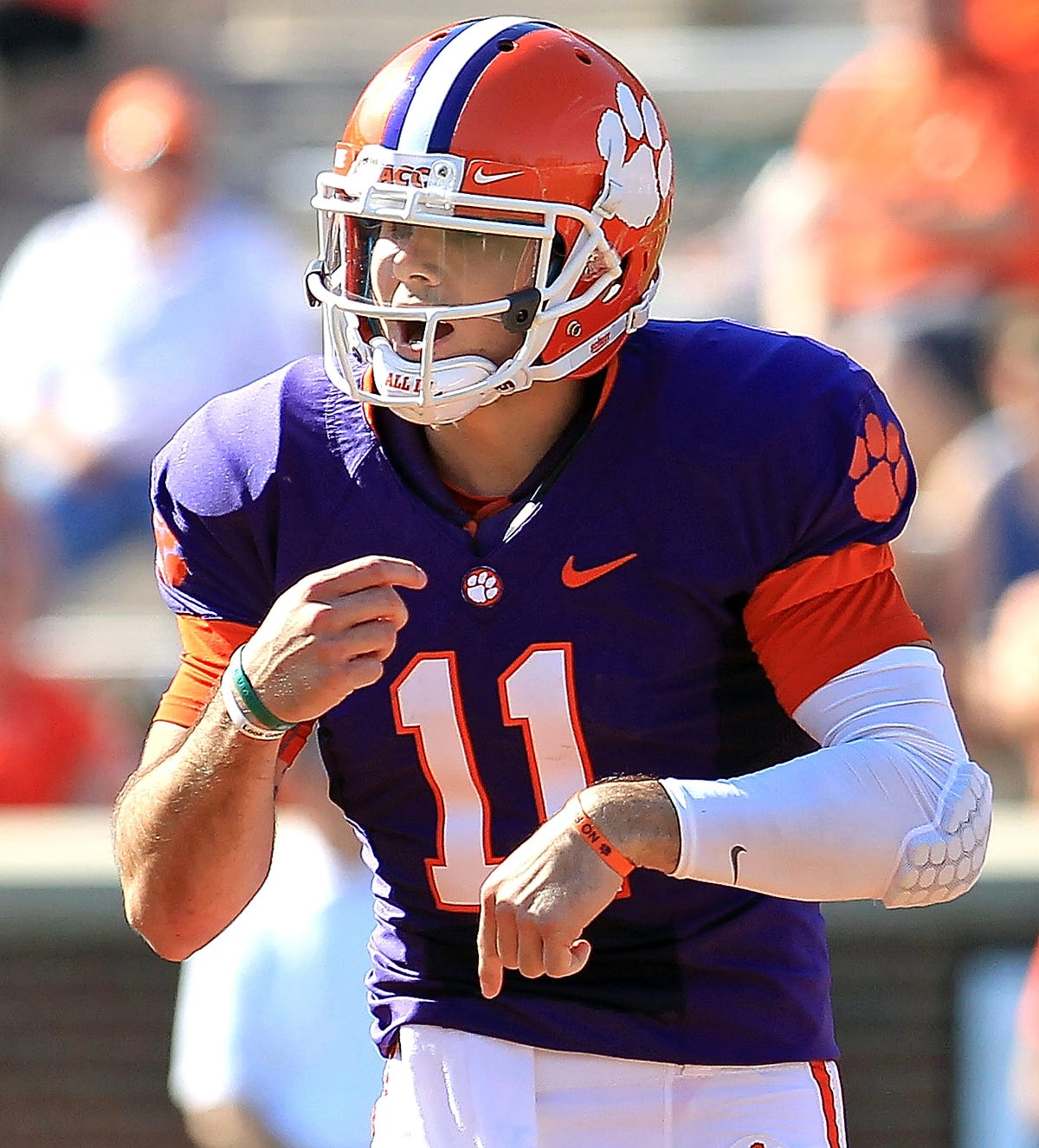 best website 896f3 aa8ca Ex-Red Lion QB Chad Kelly part of three-man battle for Ole ...