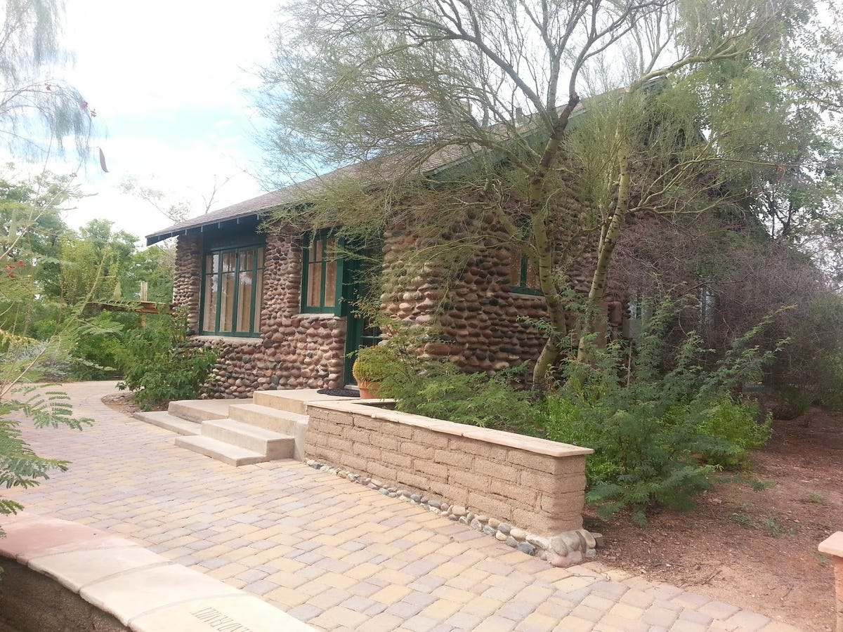 Phoenix Zoo's house on hill has historic significance