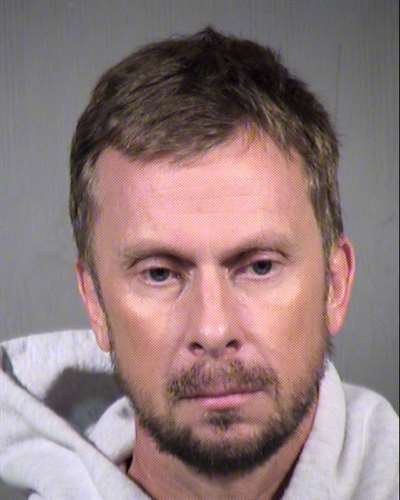 Ex-Phoenix police officer gets probation in case involving nude photos of girl
