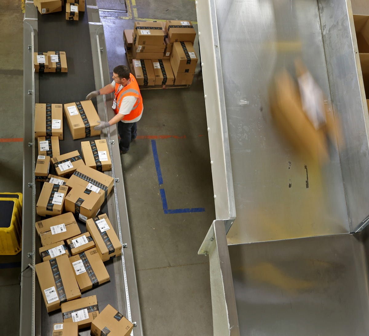 Want to work for Amazon? You'll have a great chance Wednesday