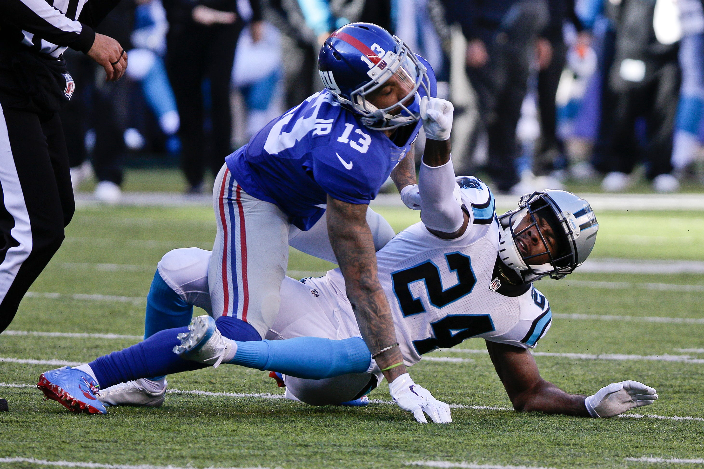 Odell Beckham Jr. loses cool on ugly hit to Josh Norman\'s head ...
